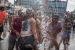 La plaça de la Vila s'omple un any més d'escuma de colors