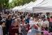 Bona resposta ciutadana a la Fira de Sant Jordi malgrat la pluja de la tarda