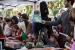 Gran ambient festiu a la Fira de Sant Jordi